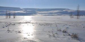 Kars eksi 24 ile buz kesti