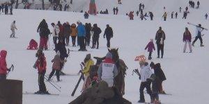 Sarıkamış Kayak Merkezi'nde festival yoğunluğu