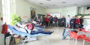 DSİ 24. Bölge Müdürlüğünden Kızılay'a kan bağışı