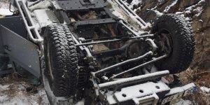 Kars'tan Erzurum'a göreve giden polis aracı kaza yaptı