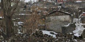 Ermeni şair Çarents Kars'taki Evi Yıkıldı