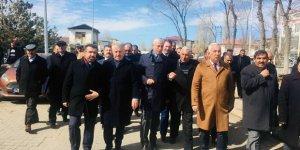 AK Parti Milletvekilleri Akyaka ve Arpaçay'da seçim çalışmalarına katıldı
