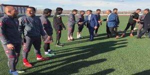 Cumhur İttifakı Adayı Çetin Nazik, Kars 36 Spor'a başarılar diledi