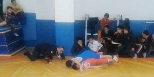 48 kiloda Ahmet Ertaş Güreş Yarışmalarında İl Birincisi Oldu