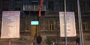 Bilgen, gelir - gider tablosunu belediye binasına astı