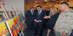 Kars Bahçeşehir öğrencileri resim sergisi açtı