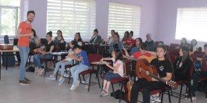 Kars Halk Eğitim'de yaz kursları başladı