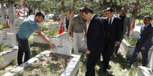 Kars Valisi Türker Öksüz, çalışmaları yerinde inceledi