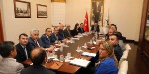 Kars Valisi Türker Öksüz İl Müdürlerine talimat verdi: Hassasiyet gösterin