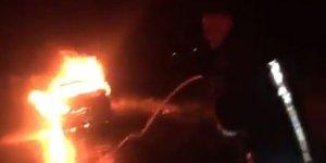 Kars'ta araç cayır cayır yandı