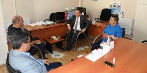 Vali Türker Öksüz'den, Kars Gazeteciler Birliğine ziyaret