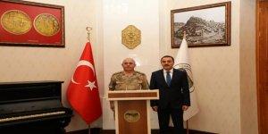 Jandarma Asayiş Başkanı Tümgeneral Güney'den Vali Öksüz'e ziyaret