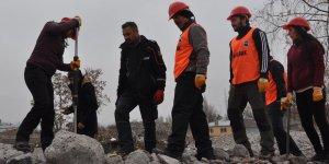 Kars AFAD Gönüllülerine enkazda eğitim