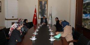 Kars Valisi Türker Öksüz, vatandaşların sorunlarını dinledi