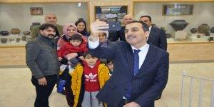 Vali Türker Öksüz, 'Müzede Selfie Günü' etkinliğinde