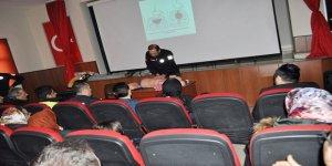 Arpaçay'da kurum amirlerine ilk yardım farkındalık eğitimi verildi