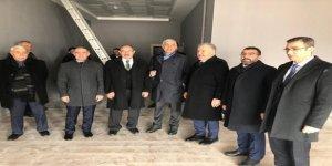 Milletvekilleri Arslan ve Kılıç, gençlik merkezindeki çalışmaları inceledi