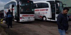 Özel izin verilen vatandaşlar, otobüslerle Kars'tan ayrıldı