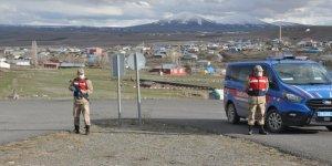 Kars'ta karantinaya alınan köylerde giriş çıkışlar yasak