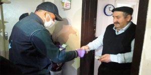 Kars'ta, sosyal yardım ödemeleri evlere teslim ediliyor