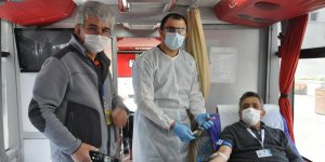 Sokağa çıkma izni olanlar kan bağışında bulundu