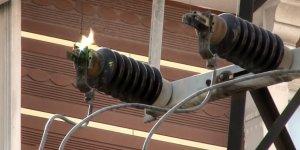 Kars'ta 2 ARAS EDAŞ işçisi elektrik akımına kapıldı