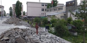 Kars Müzesi'nin çevresi yenileniyor