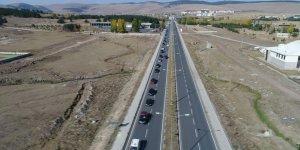 """Binlerce araçtan """"Yaşasın Cumhuriyet"""" konvoyu"""