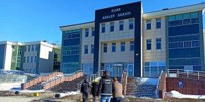 Kars'ta uyuşturucu tacirlerine operasyon
