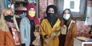 MHP Kars Kolları İl Başkanlığı 8 Mart Dünya Kadınlar Günü'nü kutladı