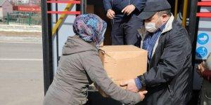 Kars Belediyesi'nden 500 aileye gıda desteği