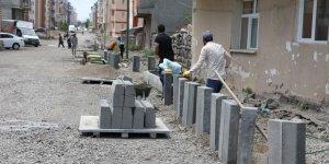 Belediye yol çalışmalarını sürdürüyor