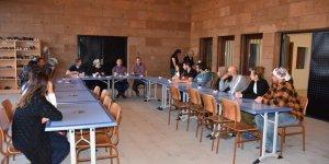 YÖK Yürütme Kurulu Üyesi Tufan ve Rektör Kapu, Ani Örenyeri Kazı Başkanlığı'nda