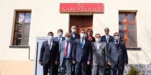 Kars'ta muhtarlar özel günlerinde hatırlandı