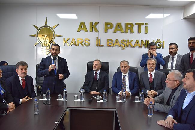 ak-parti-genel-baskan-yardimcisi-erkan-kandemir,-kars'ta!-(5).jpg