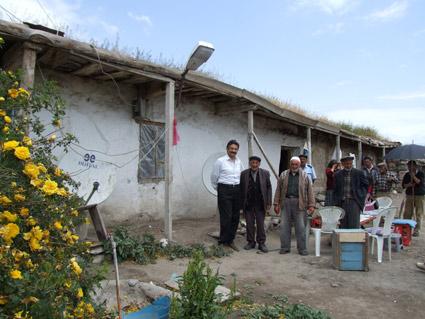 gulizaroglu-abdullahin-oglu-mecitin-in-porsuklu-koyundeki-evi-.20100705081002.jpg